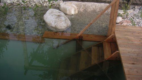 Einstiegstreppe aus Lärchenholz