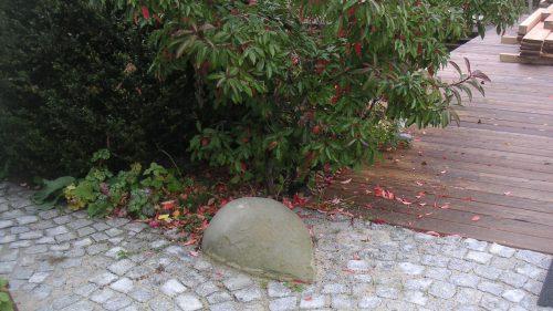 Granitsteinpflaster wurde von uns mit runden Sandsteinen